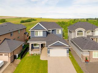 Photo 2: 230 VALLEY POINTE Way NW in Calgary: Valley Ridge Detached for sale : MLS®# A1025624