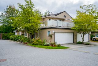 "Photo 1: 20 15875 84 Avenue in Surrey: Fleetwood Tynehead Townhouse for sale in ""ABBEY ROAD"" : MLS®# R2491584"