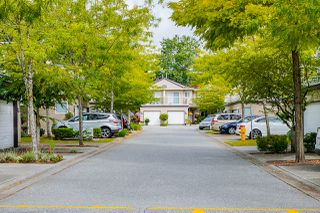 "Photo 2: 20 15875 84 Avenue in Surrey: Fleetwood Tynehead Townhouse for sale in ""ABBEY ROAD"" : MLS®# R2491584"