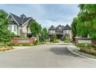 """Photo 3: 130 8138 204 Street in Langley: Willoughby Heights Townhouse for sale in """"Ashbury and Oak"""" : MLS®# R2510885"""