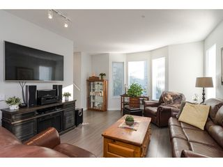 """Photo 7: 130 8138 204 Street in Langley: Willoughby Heights Townhouse for sale in """"Ashbury and Oak"""" : MLS®# R2510885"""