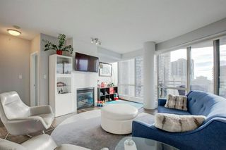 Photo 2: 2102 1078 6 Avenue SW in Calgary: Downtown West End Apartment for sale : MLS®# A1059914