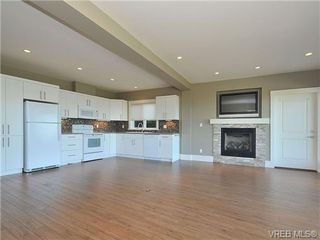 Photo 17: 5005 Georgia Park Terrace in VICTORIA: SE Cordova Bay Residential for sale (Saanich East)  : MLS®# 328143