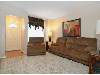 Photo 5: 116 9561 207th Street in Langley: Walnut Grove Townhouse for rent