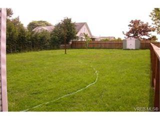 Photo 2: 63 Hampton Rd in VICTORIA: SW Tillicum Single Family Detached for sale (Saanich West)  : MLS®# 335330