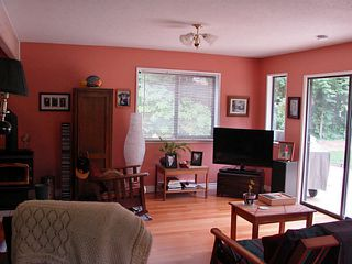 Photo 8: 7980 COOPER RD in Halfmoon Bay: Halfmn Bay Secret Cv Redroofs House for sale (Sunshine Coast)  : MLS®# V1107211