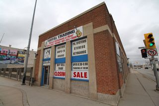 Photo 2: 2462 Building For Lease only - Business owner retiring