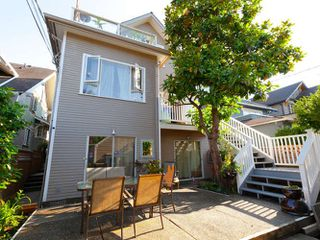 Photo 12: 3241 W 2ND Avenue in Vancouver: Kitsilano House 1/2 Duplex for sale (Vancouver West)  : MLS®# R2424445
