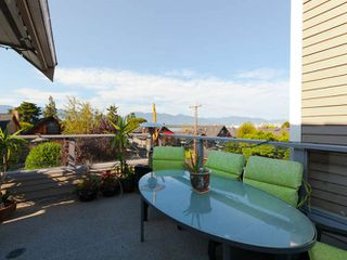 Photo 4: 3241 W 2ND Avenue in Vancouver: Kitsilano House 1/2 Duplex for sale (Vancouver West)  : MLS®# R2424445