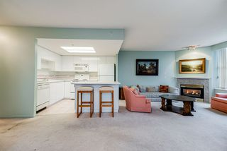 """Photo 2: 804 1255 MAIN Street in Vancouver: Downtown VE Condo for sale in """"Station Place"""" (Vancouver East)  : MLS®# R2435187"""