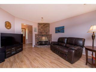 """Photo 4: 35 7001 EDEN Drive in Chilliwack: Sardis West Vedder Rd House for sale in """"EDENBANK"""" (Sardis)  : MLS®# R2470390"""
