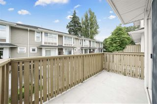 "Photo 13: 990 W 58TH Avenue in Vancouver: South Cambie Townhouse for sale in ""Churchill Gardens"" (Vancouver West)  : MLS®# R2472481"