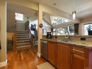Photo 9: 114 1244 Muirfield Pl in : La Bear Mountain Row/Townhouse for sale (Langford)  : MLS®# 850341