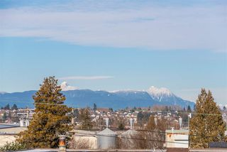 """Photo 24: 301 19936 56 Avenue in Langley: Langley City Condo for sale in """"Bearing Pointe"""" : MLS®# R2487217"""