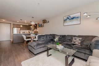 """Photo 5: 301 19936 56 Avenue in Langley: Langley City Condo for sale in """"Bearing Pointe"""" : MLS®# R2487217"""