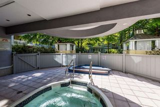 "Photo 5: 110 5835 HAMPTON Place in Vancouver: University VW Condo for sale in ""ST JAMES"" (Vancouver West)  : MLS®# R2488709"