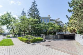 "Photo 6: 110 5835 HAMPTON Place in Vancouver: University VW Condo for sale in ""ST JAMES"" (Vancouver West)  : MLS®# R2488709"