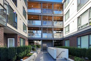 """Photo 3: PH15 5355 LANE Street in Burnaby: Metrotown Condo for sale in """"INFINITY"""" (Burnaby South)  : MLS®# R2495174"""