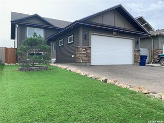 Photo 1: 912 Reimer Road in Martensville: Residential for sale : MLS®# SK826219