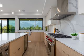 """Photo 11: 2914 HUCKLEBERRY Drive in Squamish: University Highlands House for sale in """"University Heights"""" : MLS®# R2506027"""