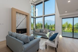 """Photo 3: 2914 HUCKLEBERRY Drive in Squamish: University Highlands House for sale in """"University Heights"""" : MLS®# R2506027"""
