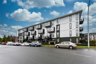 "Photo 2: 411 10168 149 Street in Surrey: Guildford Condo for sale in ""Guildhouse II"" (North Surrey)  : MLS®# R2519397"