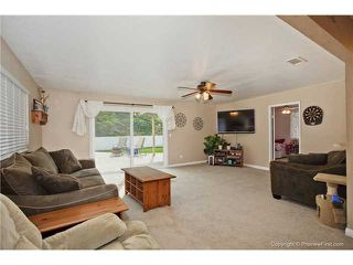 Photo 2: EAST ESCONDIDO House for sale : 4 bedrooms : 1553 Kenora Street in Escondido