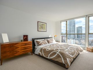 Photo 9: # 1701 888 PACIFIC ST in Vancouver: Yaletown Condo for sale (Vancouver West)  : MLS®# V1064959