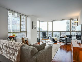 Photo 5: # 1701 888 PACIFIC ST in Vancouver: Yaletown Condo for sale (Vancouver West)  : MLS®# V1064959