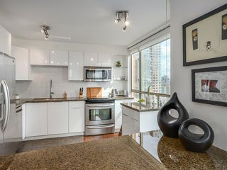 Photo 8: # 1701 888 PACIFIC ST in Vancouver: Yaletown Condo for sale (Vancouver West)  : MLS®# V1064959