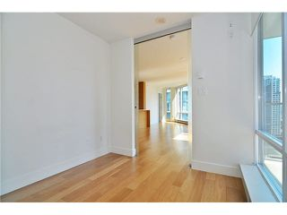 "Photo 12: 1501 565 SMITHE Street in Vancouver: Downtown VW Condo for sale in ""VITA"" (Vancouver West)  : MLS®# V1076138"