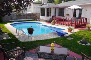 Photo 3: 46 Newcastle Road in Winnipeg: Fort Richmond Single Family Detached for sale (South Winnipeg)  : MLS®# 1523425