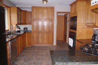 Photo 5: 46 Newcastle Road in Winnipeg: Fort Richmond Single Family Detached for sale (South Winnipeg)  : MLS®# 1523425