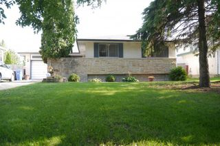 Photo 1: 46 Newcastle Road in Winnipeg: Fort Richmond Single Family Detached for sale (South Winnipeg)  : MLS®# 1523425
