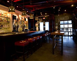 Photo 3: ~ GRANVILLE STREET PUB ~ in Vancouver: Downtown VW Home for sale (Vancouver West)  : MLS®# C8002652