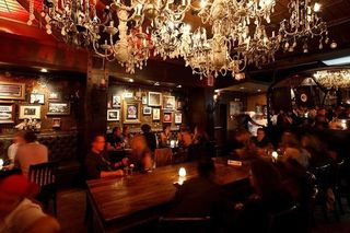 Photo 5: ~ GRANVILLE STREET PUB ~ in Vancouver: Downtown VW Home for sale (Vancouver West)  : MLS®# C8002652