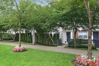 Photo 2: 51 101 FRASER STREET in Port Moody: Port Moody Centre Townhouse for sale : MLS®# R2099843