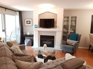 Photo 4: 122 19528 FRASER HIGHWAY in Surrey: Cloverdale BC Condo for sale (Cloverdale)  : MLS®# R2289565