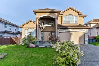Photo 1: 6670 121A STREET in Surrey: West Newton House for sale : MLS®# R2356794