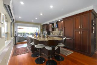 "Photo 2: 119 1869 SPYGLASS Place in Vancouver: False Creek Condo for sale in ""THE REGATTA"" (Vancouver West)  : MLS®# R2396158"
