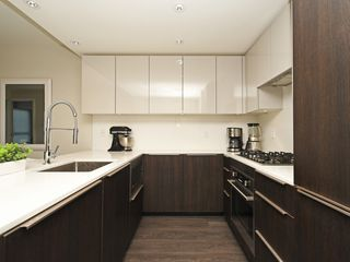 Photo 8: 214 1588 HASTINGS STREET in Vancouver: Hastings Sunrise Condo for sale (Vancouver East)  : MLS®# R2401182
