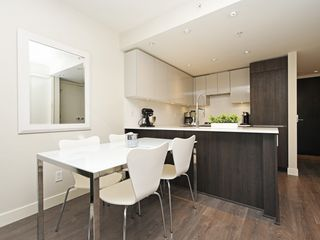 Photo 5: 214 1588 HASTINGS STREET in Vancouver: Hastings Sunrise Condo for sale (Vancouver East)  : MLS®# R2401182