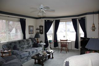 Photo 2: 545 COMMISSION Street in Hope: Hope Center House for sale : MLS®# R2426177