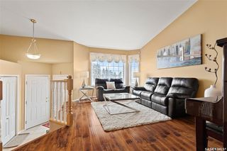 Photo 2: 422 Budz Crescent in Saskatoon: Arbor Creek Residential for sale : MLS®# SK801133
