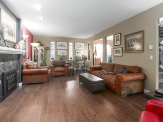 Photo 5: 13957 32 Avenue in Surrey: Elgin Chantrell House for sale (South Surrey White Rock)  : MLS®# R2466206