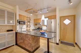 Photo 5: 103 555 Chatham St in : Vi Downtown Condo Apartment for sale (Victoria)  : MLS®# 851115