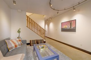 Photo 4: 103 555 Chatham St in : Vi Downtown Condo for sale (Victoria)  : MLS®# 851115