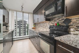 """Photo 12: 1006 3061 E KENT NORTH Avenue in Vancouver: South Marine Condo for sale in """"THE PHOENIX"""" (Vancouver East)  : MLS®# R2484873"""