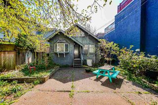 Photo 4: 1511 BARCLAY Street in Vancouver: West End VW House for sale (Vancouver West)  : MLS®# R2499693