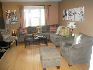 Photo 3: 656 Banning Street in WINNIPEG: West End / Wolseley Residential for sale (West Winnipeg)  : MLS®# 1221706
